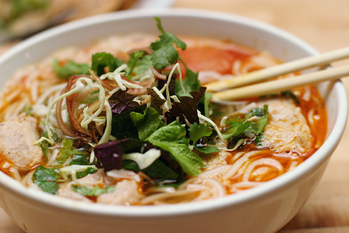 Fish cake noodle soup