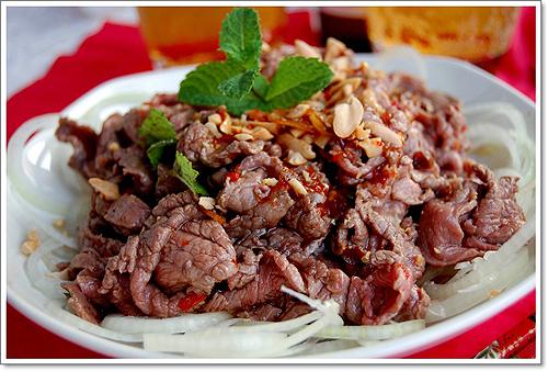 Bò nhúng dấm – Beef in Vinegar Hotpot
