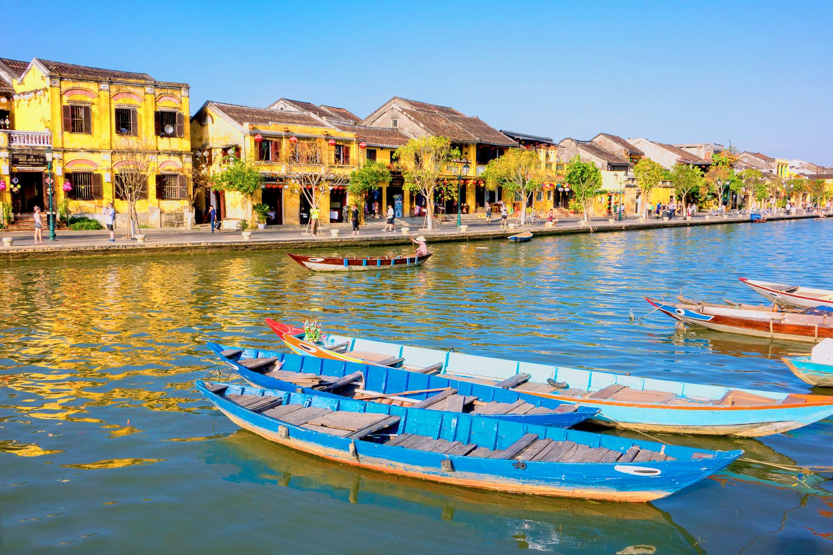Hoi An Walking Tour, Foot Massage 60 minutes and Hoi An Speciality Lunch Voucher