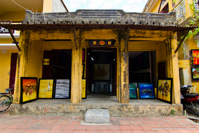 There are loads of art galleries and shops in Hoi An