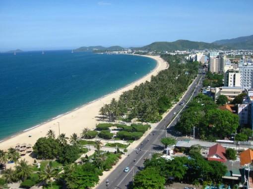 Da Nang Airport – Marble Mountain – My Khe Beach – Cham Museum – Hoi An Hotel