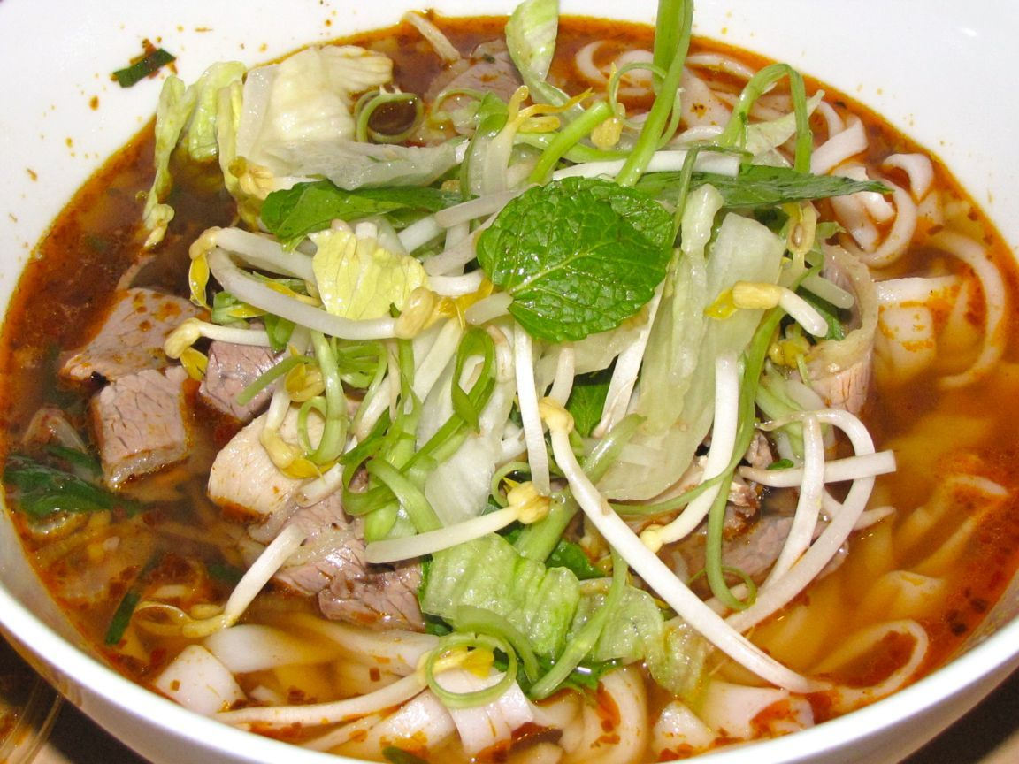 Hue Beef Noodle Soup - Hoi An Food Tour