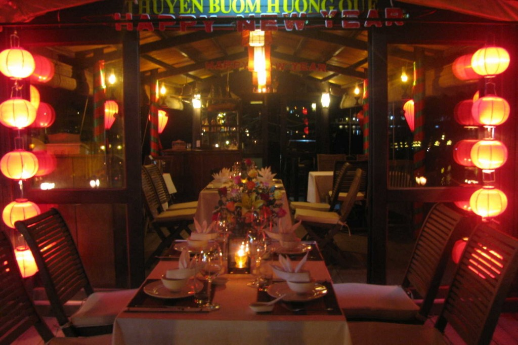8. Exciting dinner cruise