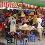 Vietnam gov't asks to cut visa fee