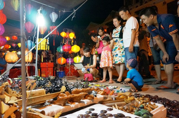 Hoi An night market 2
