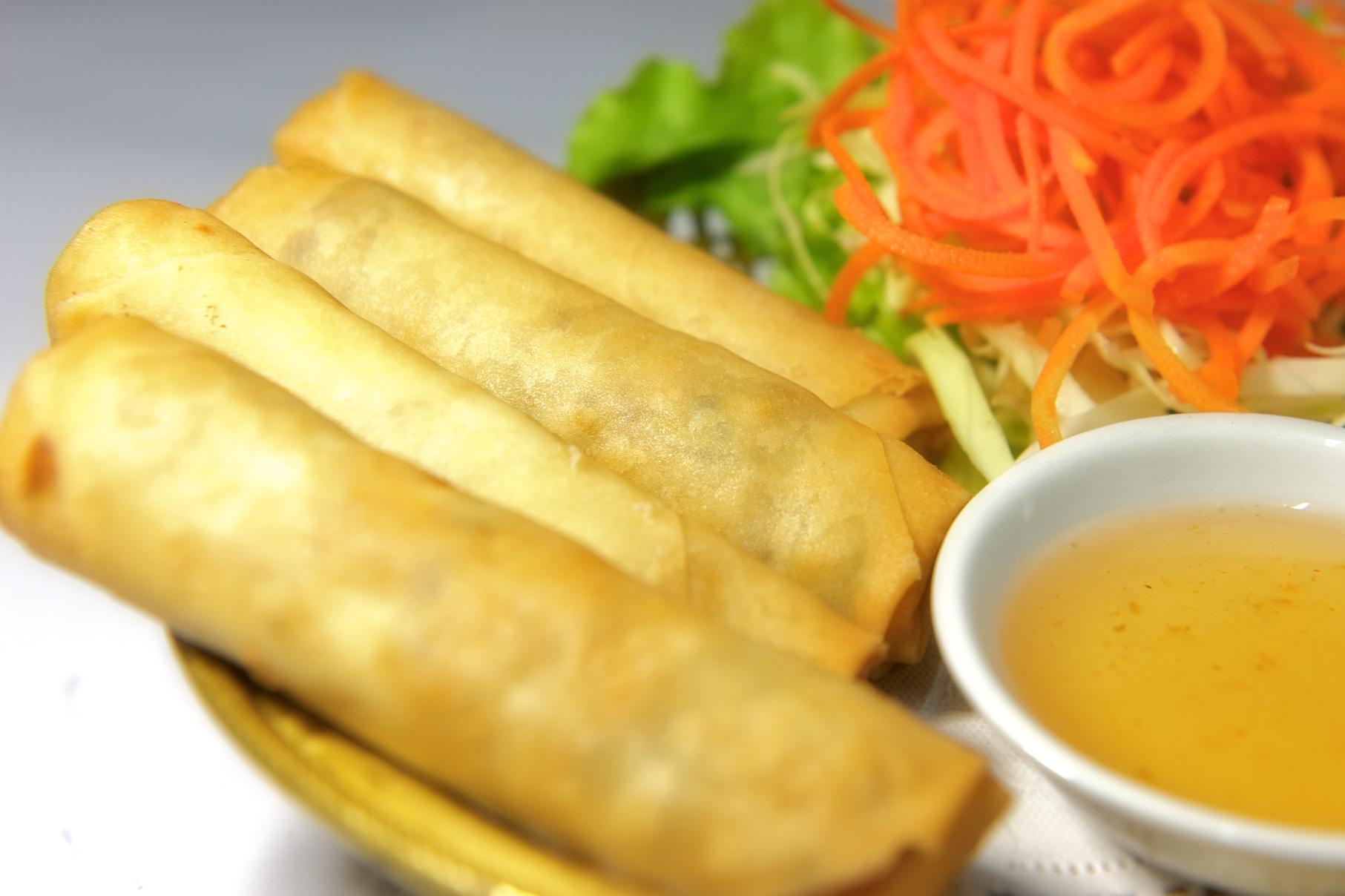 Da Nang Home Cooking Class, deep-fried spring roll