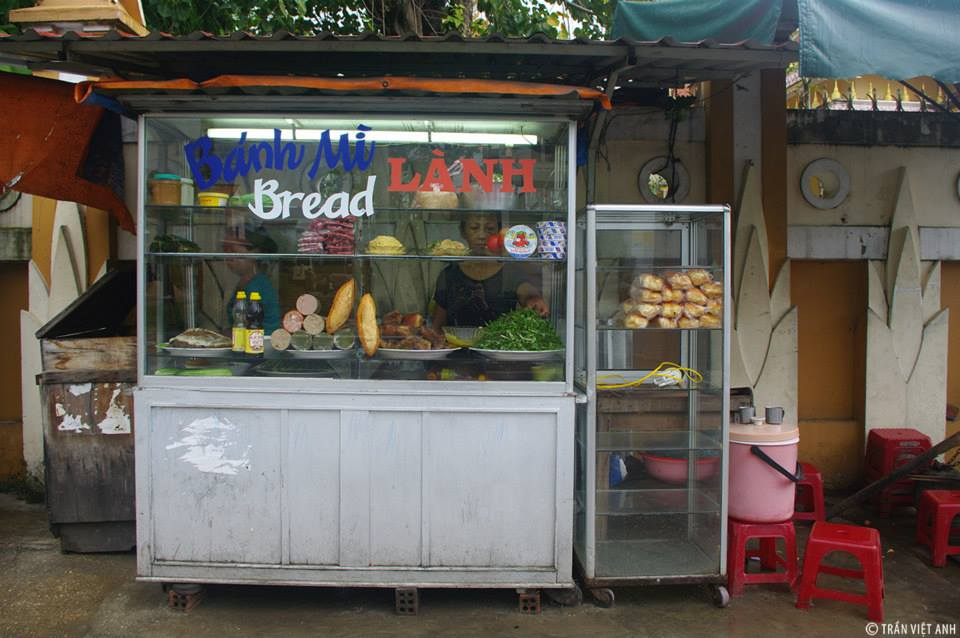 Where to eat Hoi An bread